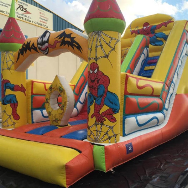 Tobogán Spiderman con obstáculos